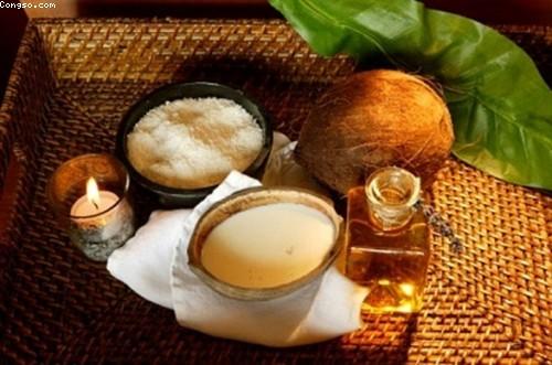 Mẹo dùng dầu dừa đẹp da không nổi mụn