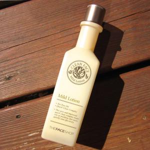Sữa dưỡng dành cho da dầu và mụn Mild Lotion Clean Face 1