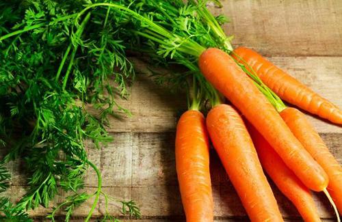 Cách làm trắng da bằng cà rốt
