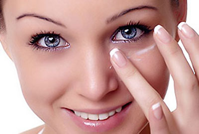 Cách sử dụng kem chống quầng thâm mắt 3W Clinic Collagen