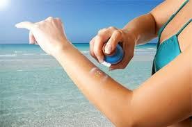 Cách sử dụng xịt chống nắng đi biển Neutrogena Beach Defense