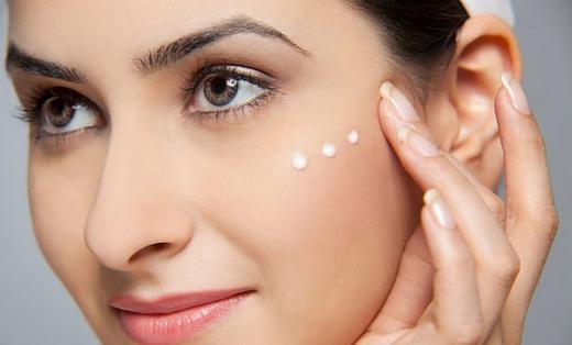 Cách sử dụng kem dưỡng mắt Pomegranate And Collagen Volume Lifting Eye